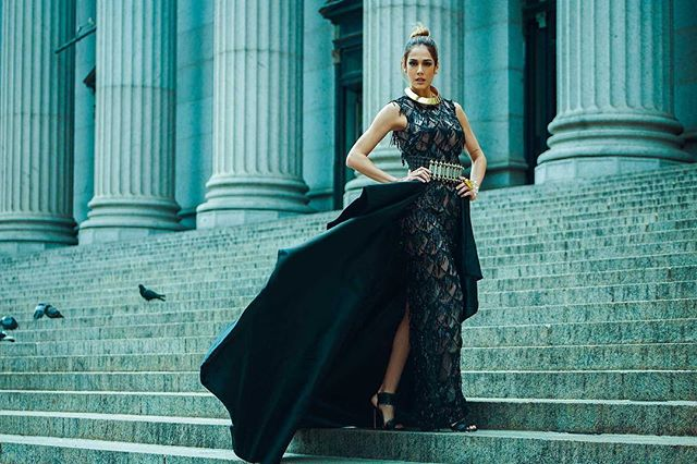 Photo by @dukewiin  #missEarth 2013 @alyzhenrich1 on @bazaarvietnam - #producer @corycoutureproductions. .#makeup by @vincenttranartistry . #stylist @kevinlparker
