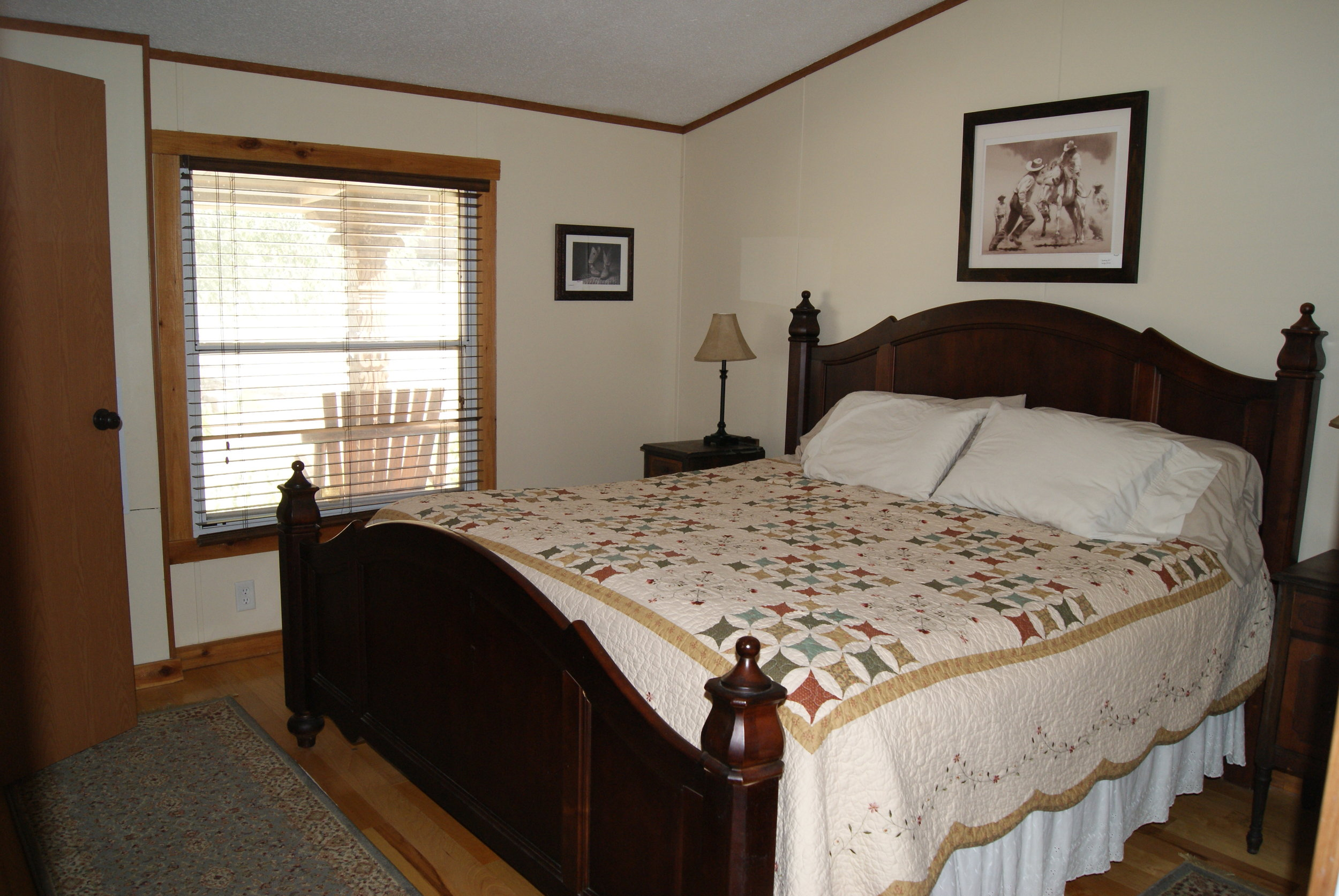 The Cagin: Tallgrass Suite bedroom