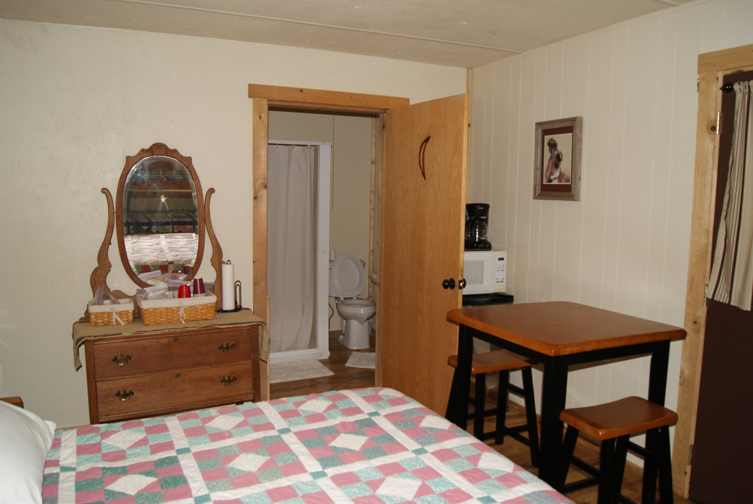 The Bunkhouse: Osage kitchenette and bathroom entry