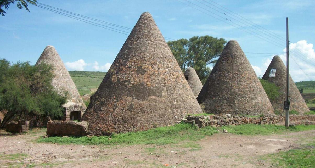 Los Conos históricos en San Antonio servían para guardar el grano en tiempos de los hacendados.