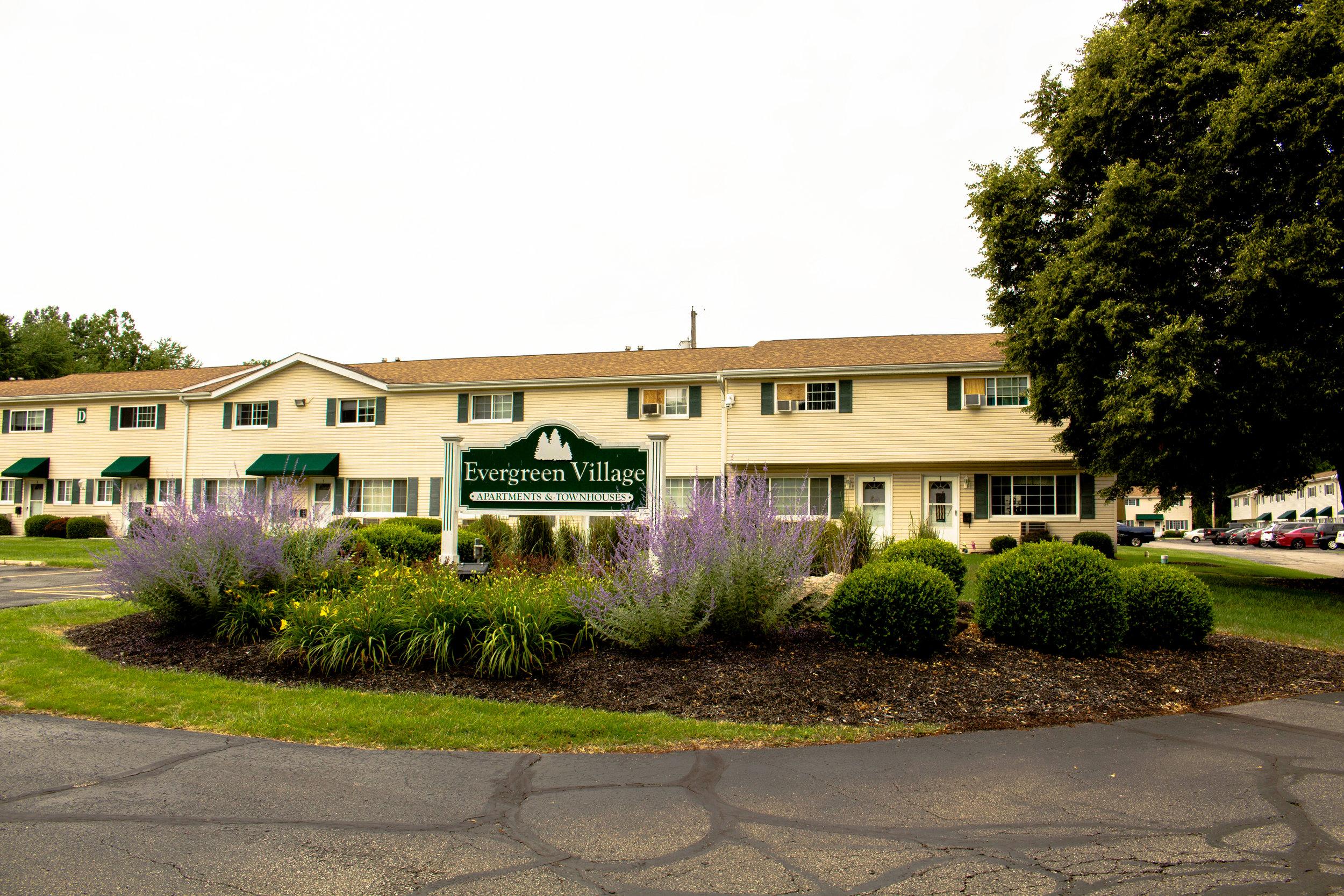 Evergreen Village Apartments - Elyria, Ohio