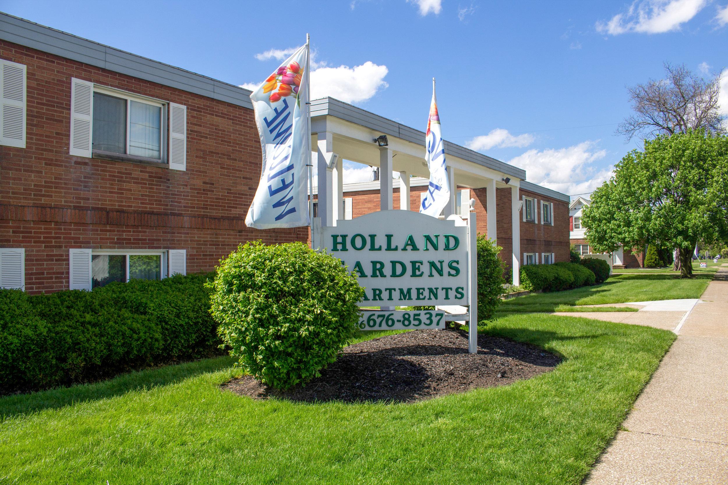 Holland Gardens Apartments - Brook Park, Ohio