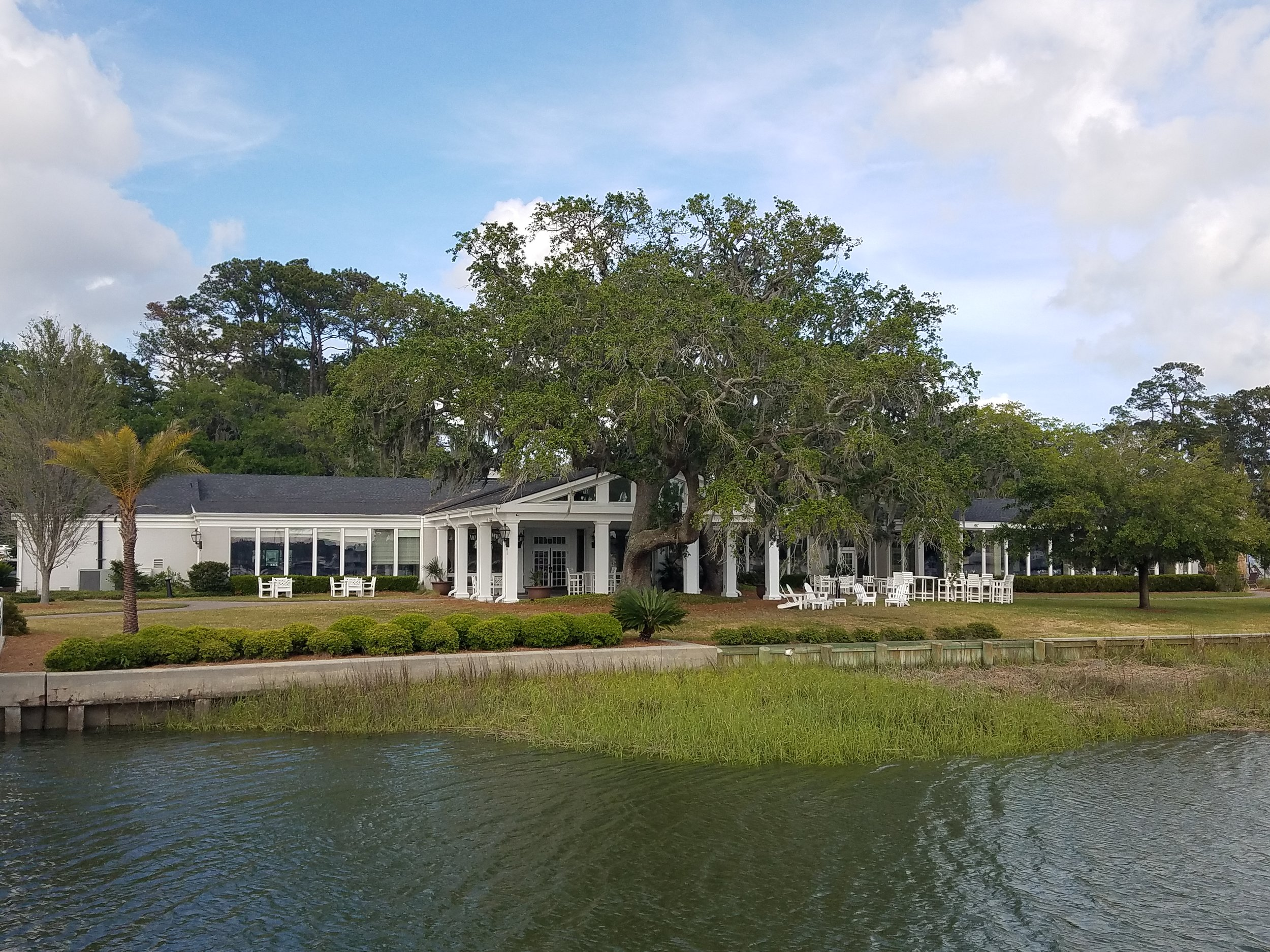 The Savannah Yacht Club club house