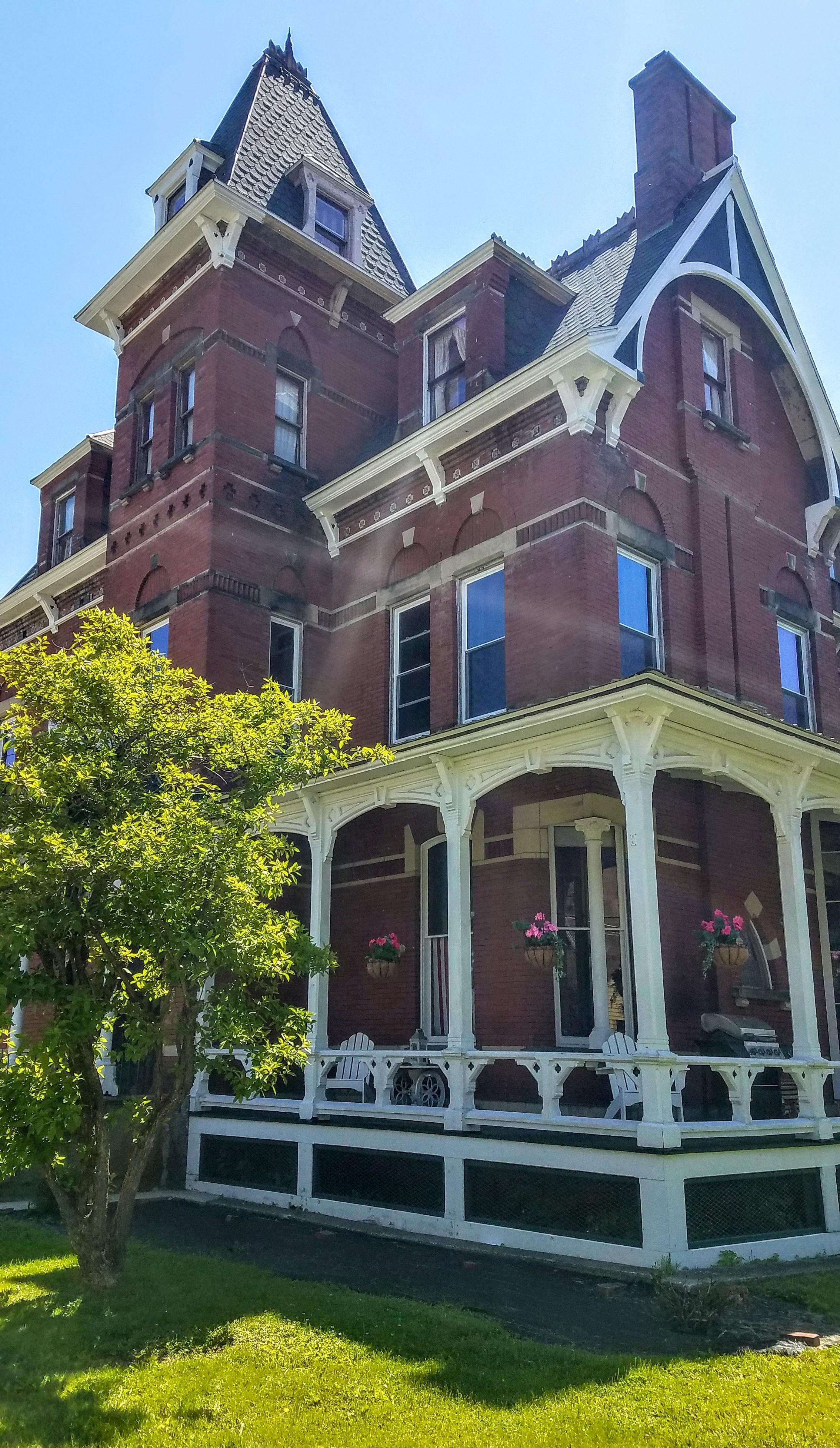 Nice Victorian Era home