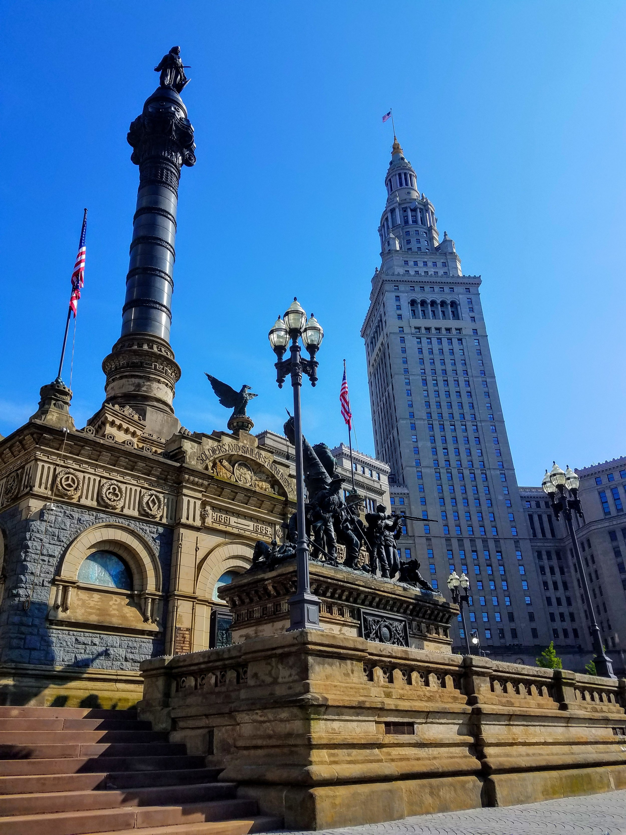 The Sailors and Soldiers Monument is absolutely amazing. Each of the four edges depict battle scenes from the Navy, Artillery, Infantry and Cavalry. The column is topped with a statue of the Goddess of Freedom, defended by the Shield of Liberty. Built in 1894
