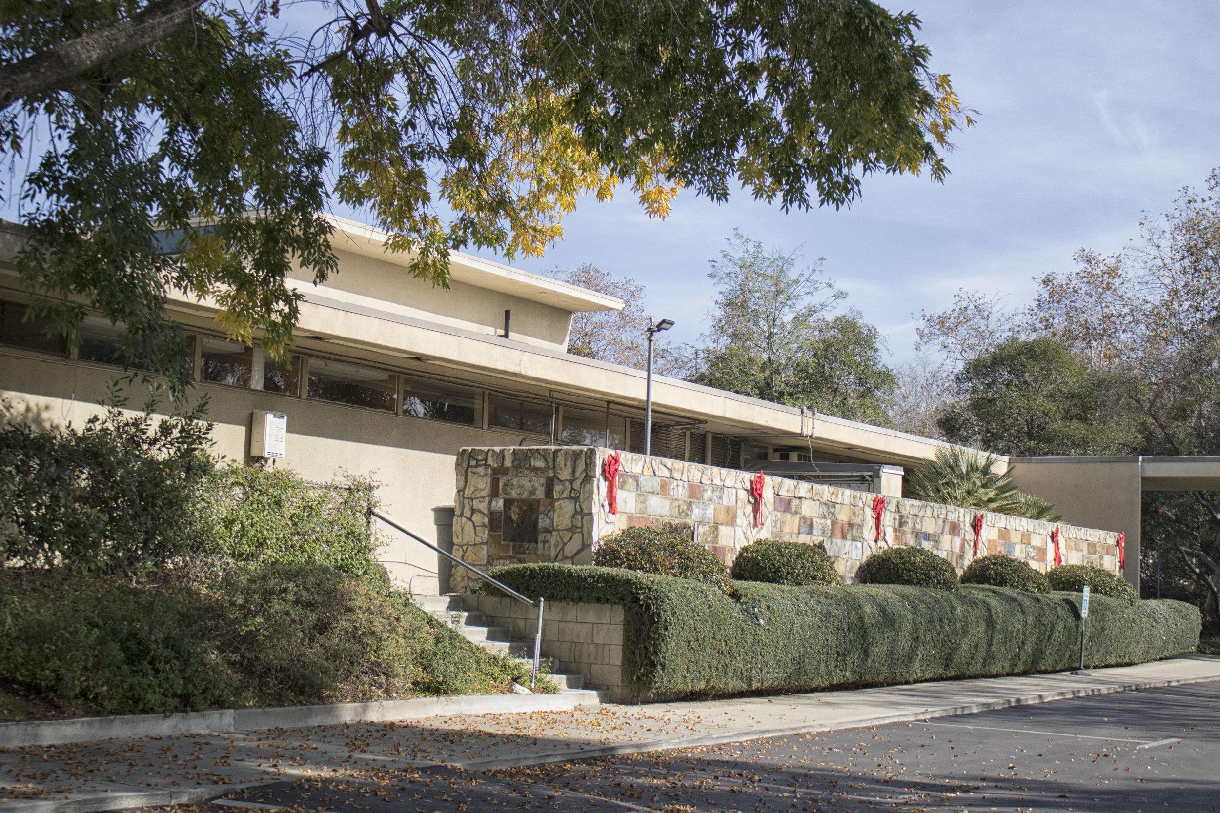 Claremont UMC at Christmas (Claremont, CA)