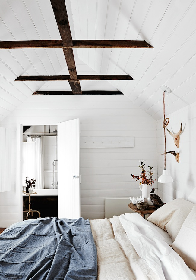 white-bedroom-vaulted-ceiling