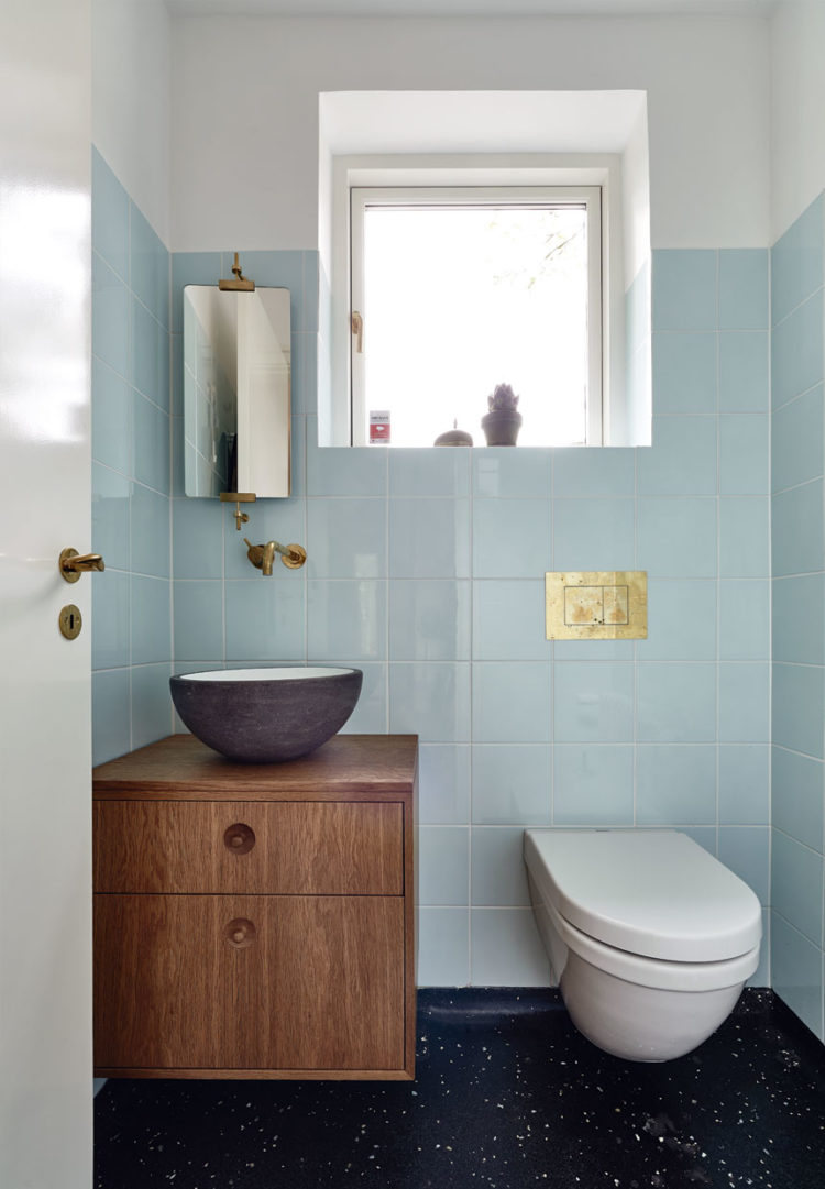 badevaerelse-gaeste-toilet-fJGQT_oMdsNF3b0baz4Kyg-750x1081.jpg