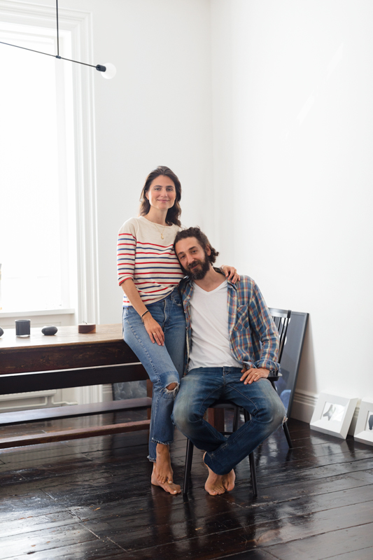 a-bohemian-haven-in-a-brooklyn-townhouse-built-by-newlyweds-sophie-green-home-tour-brooklyn-59bc2cfbf93940147912f322-origin.jpg