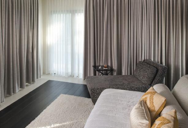 bedroom+drapes+grey.png
