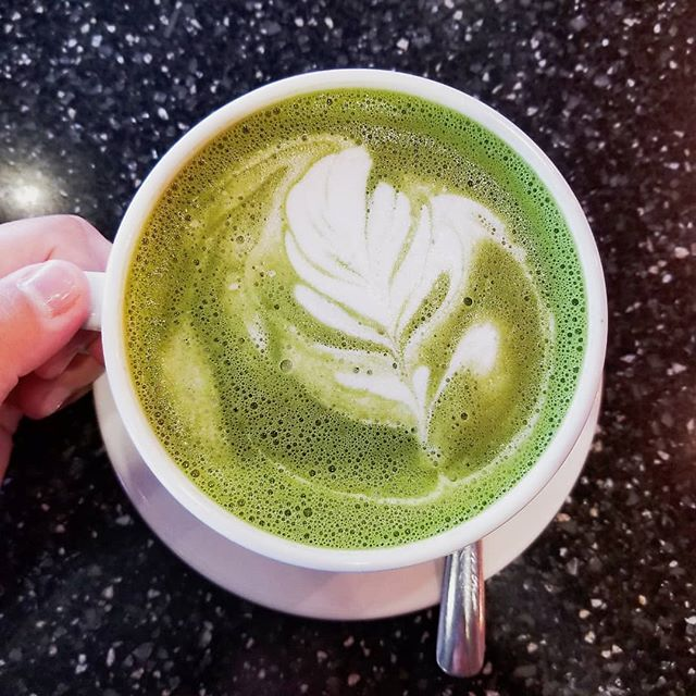 On my day off, I love to enjoy a warm cup of matcha latte 🍵. Green tea: clear heat, awaken spirit, drain toxin through urine. It contain high level of Vit C, antioxidant and natural caffeine for more leveled and sustained energy.  If you are a coffee addict like me, maybe consider switching to matcha. . . . . . #matchagoodness #matchalatte #greentea #timeoff #drinktea #lingliacupuncture #vans