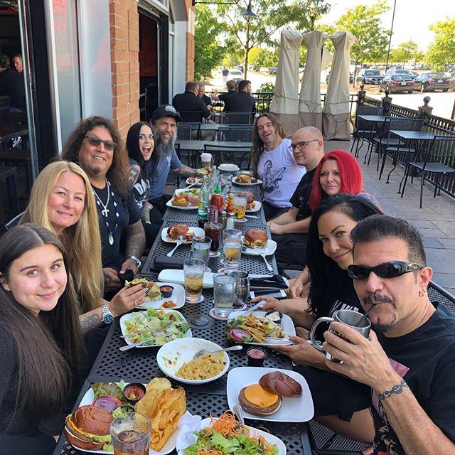 Metal summit meeting presented by @kumascornerschaumburg 🤘🏻🍔 . . . @charbenante @miiabenante @carlaharvey @chuckschicktiff @chuckfcknbilly @kymwithawhynot @bzelliott @jraraya419 @tyleraffinito  @jeremyxwagner @anthrax @testamentofficial @slayerbandofficial @brokenxhope #Anthrax #Slayer #Testament #BrokenHope #Thrash #DeathMetal #Metal #Burgers #BowelsInBurbs