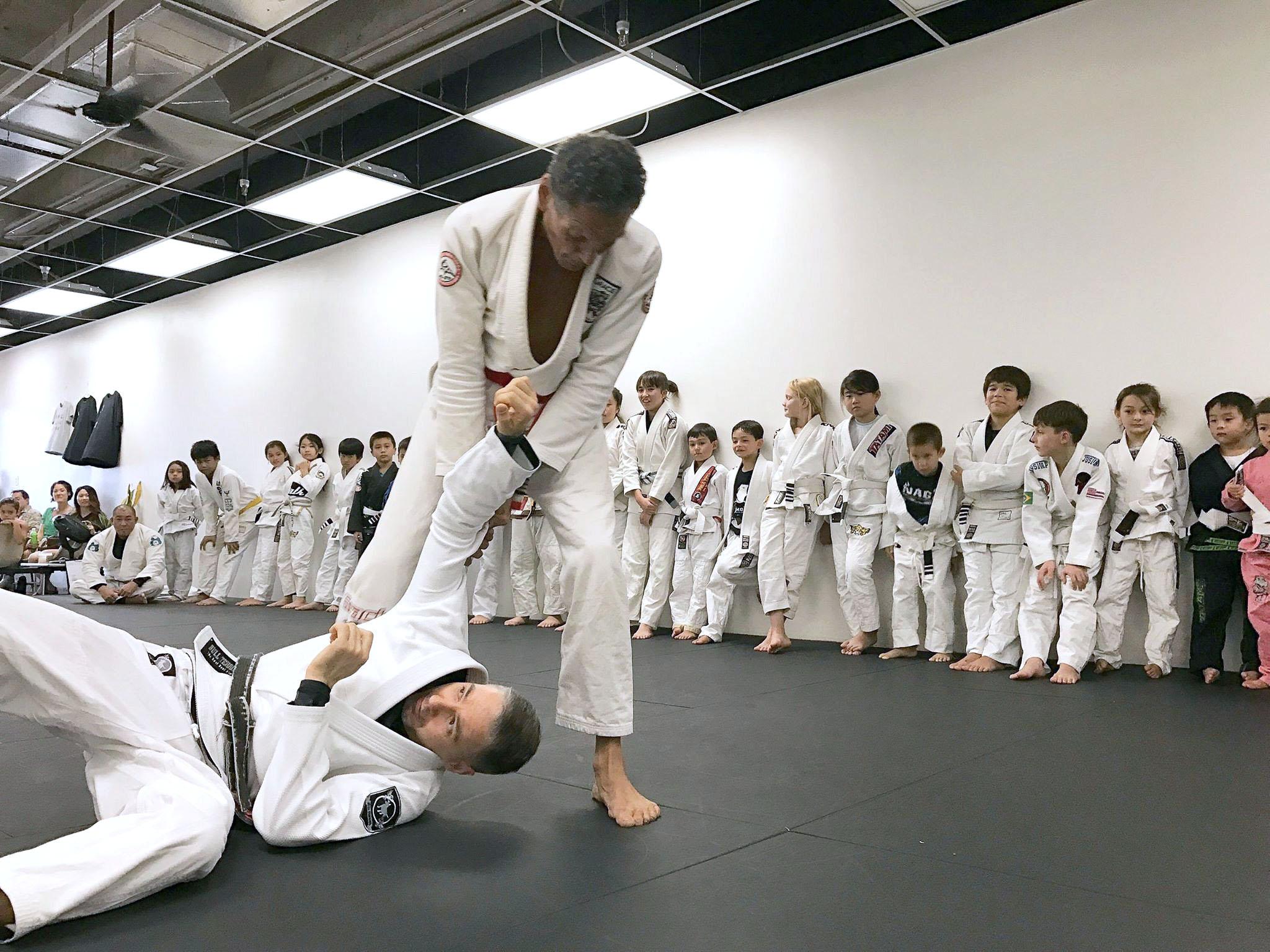 hnl-jiu-jitsu-honolulu-bjj-gracie-1-19.jpg