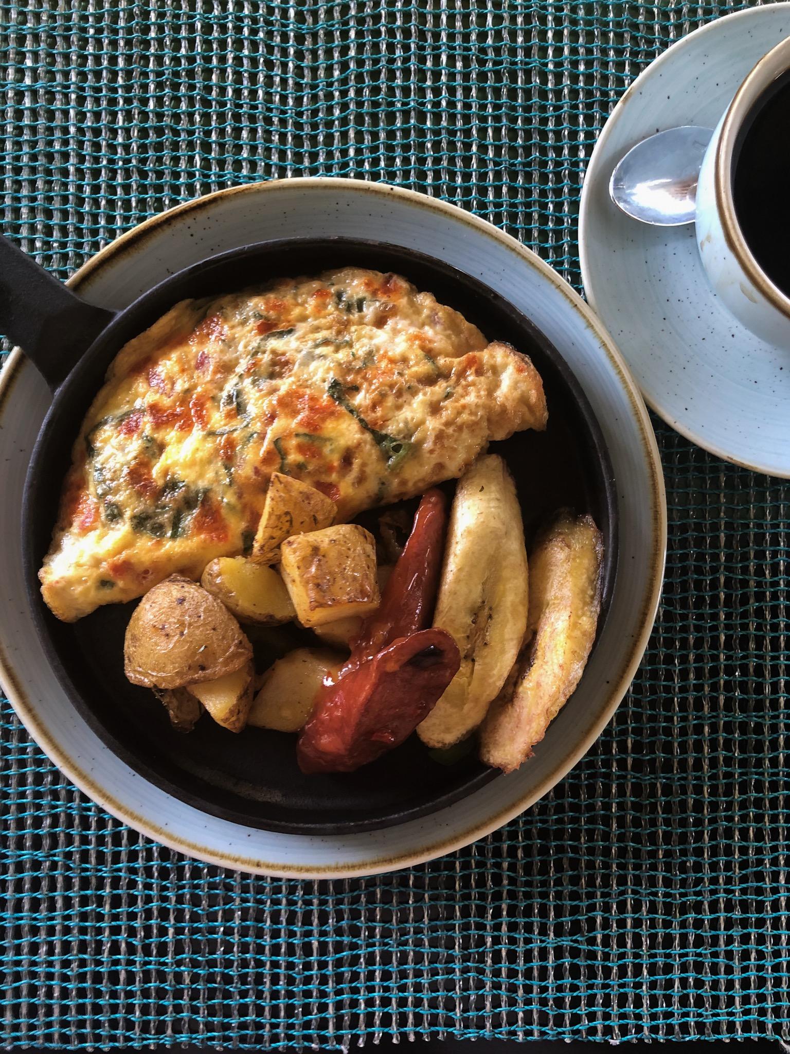 Ackee omelet (Montego Bay, jamaica, 2018,  ©  JOEL ANG PHOTOGRAPHY)