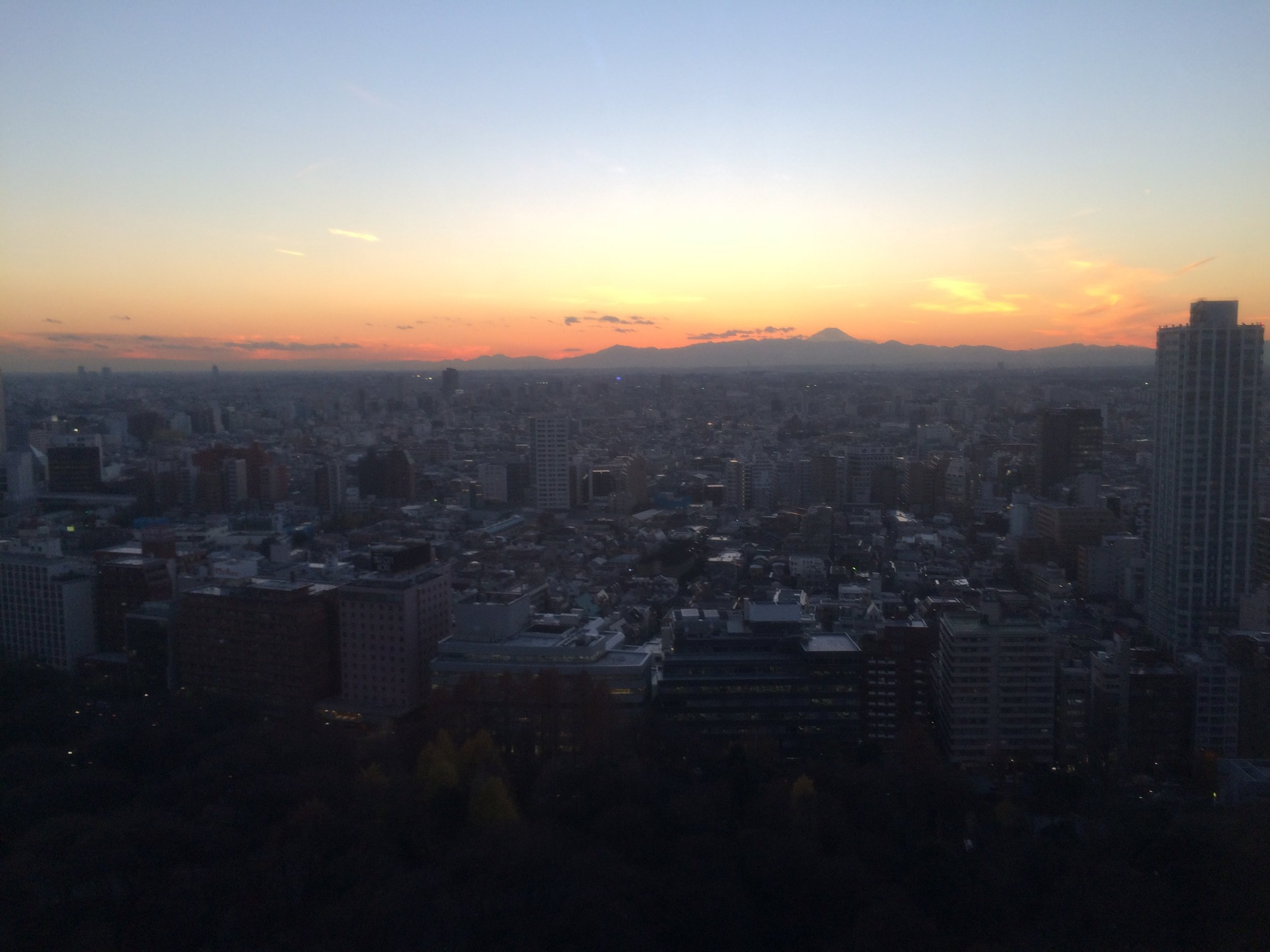 Sunsets over Mt. Fuji are more enjoyable when they are free! (Tokyo, 2014  ©  JOEL ANG PHOTOGRAPHY)