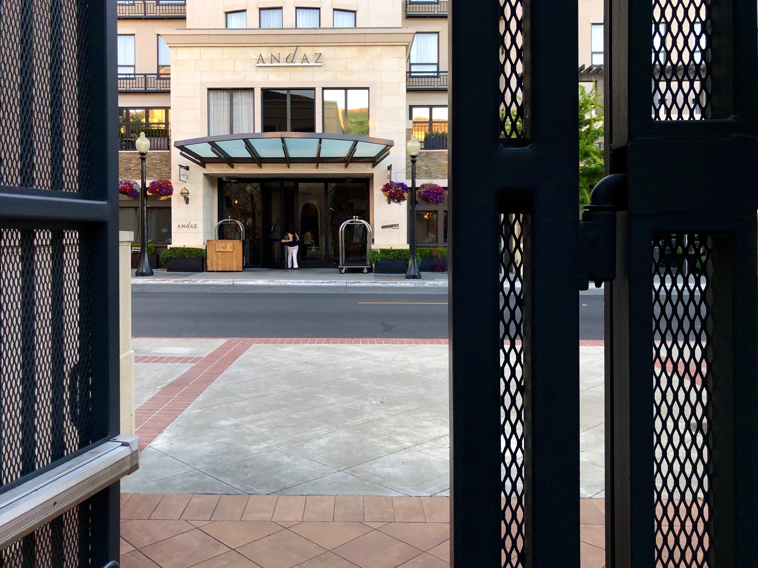 My wife and I recently stayed at the Andaz Napa for free (2019 © JOEL ANG PHOTOGRAPHY)
