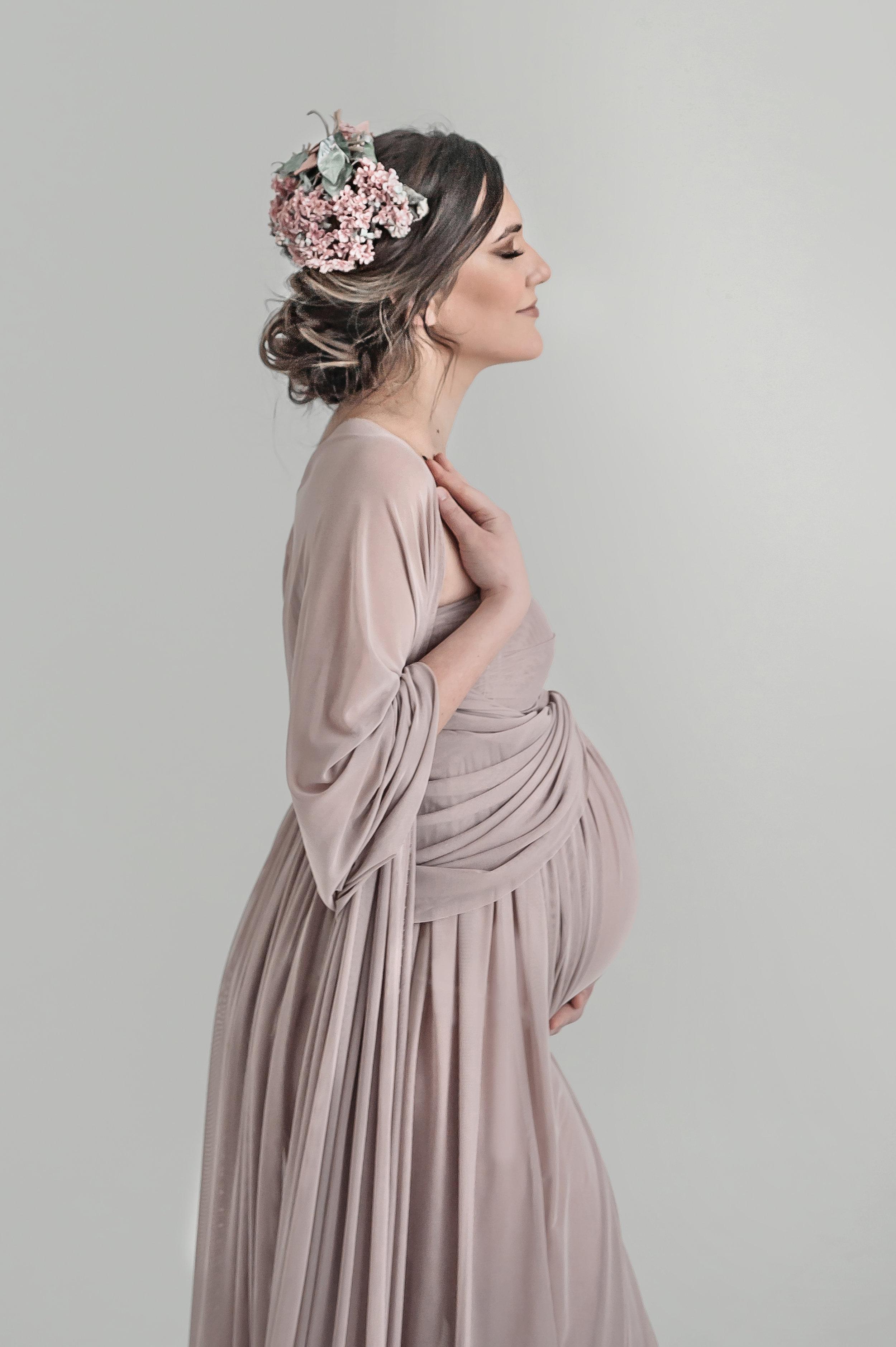 classic-maternity-portrait-boston-majpg.jpg