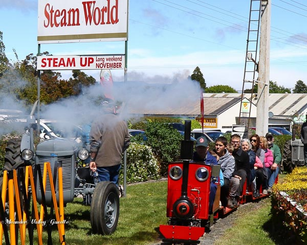 steam-up-at-pearns-steam-world-2016