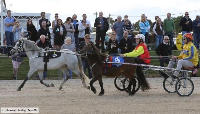Rebecca-White-pony-race.jpg