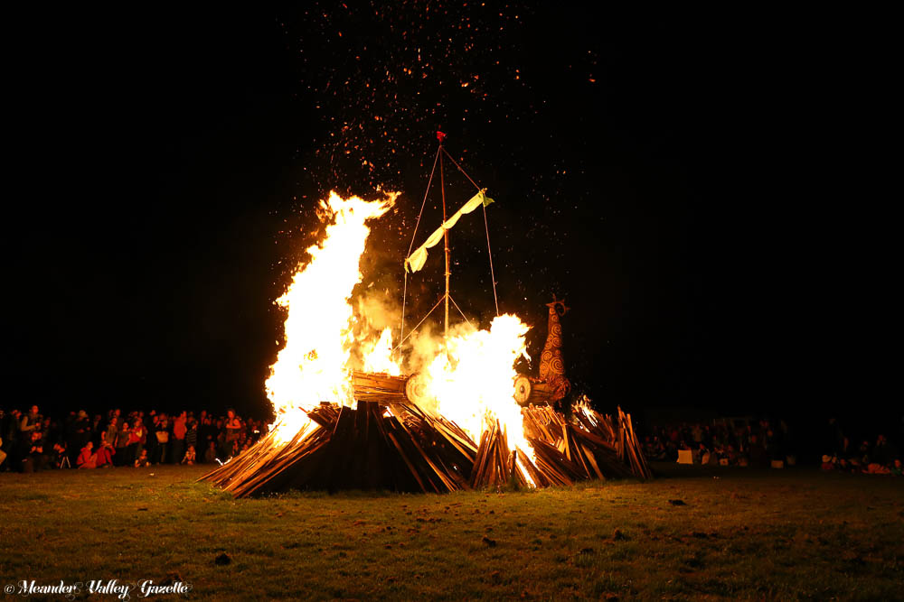 winterfire-bonfire-by-mike-moores.jpg