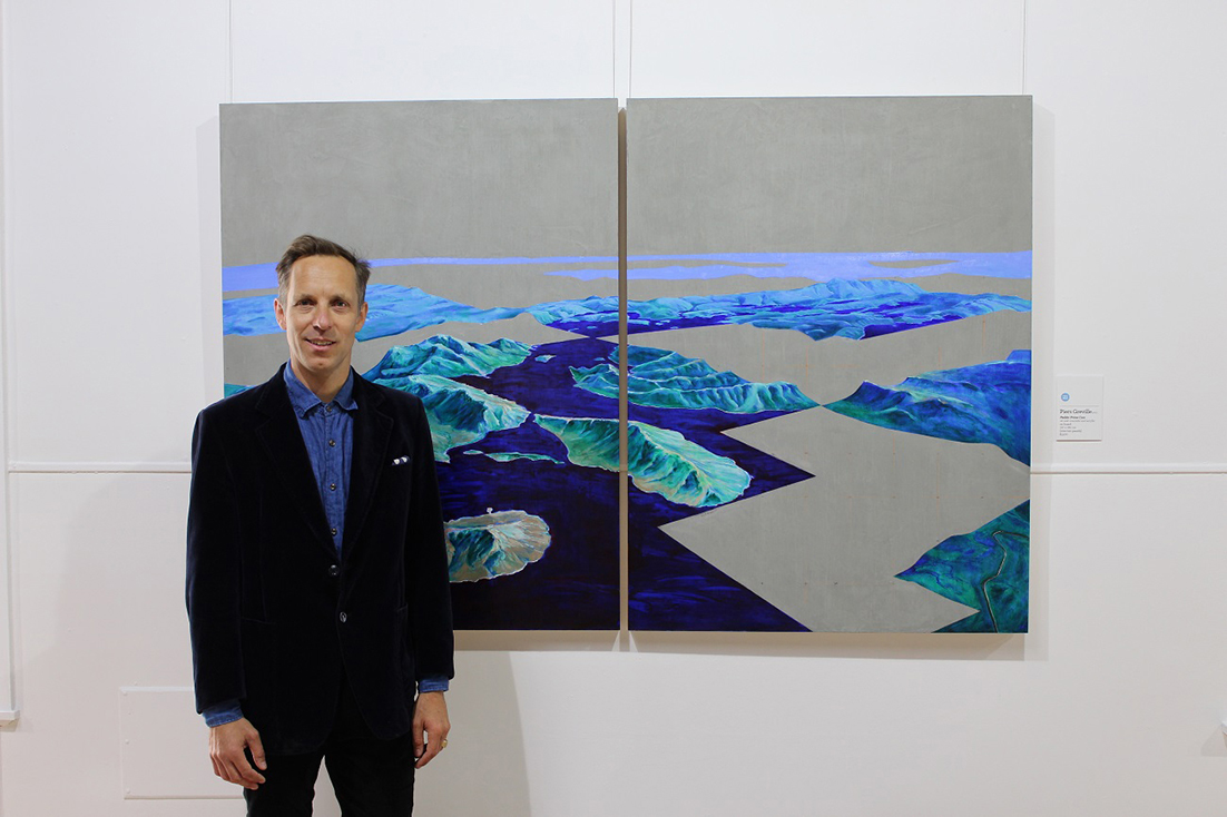 Piers Greville of Victoria with his painting, Pedder Prime Cuts, the winner of the 2019 Glover Prize.  Photo supplied