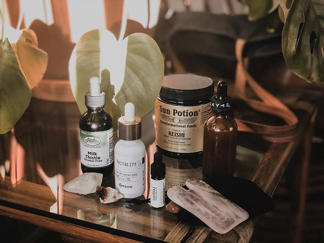 "My inbox has been FULL lately of questions: ""What do you use daily?"" ""What's your favorite tincture?"" ""Do you take supplements?""✨🌿 ⠀⠀⠀⠀⠀⠀⠀⠀⠀ To answer a few of these questions, I've put together a little glimpse of what's in my bag especially when on the go. Part of why I love plants is because in order to maximize the potential, the absorption, the ""effect,"" I believe that creating a relationship with the medicine is key. Using plants as medicine is truly a lifestyle, and I choose to carry herbal allies with me daily. ⠀⠀⠀⠀⠀⠀⠀⠀⠀ 🔥 IN MY BAG 🔥 ➖Artemis I Am Vitality Hemp CBD Tincture @iamartemisca  I use this tincture nearly daily to ease anxiety, headaches, and physical aches. This powerful and intentional tincture is made locally with love by @iamartemisca! ⠀⠀⠀⠀⠀⠀⠀⠀⠀ ➖ Sprouts Peppermint Spray My on-hand tool for fresh breath or a quick spray of invigoration. Peppermint helps to open up the respiratory, freshen the mouth, and awaken the mind. @sprouts ⠀⠀⠀⠀⠀⠀⠀⠀⠀ ➖Cordial Organics Rose Quartz Gua Sha Tool + Oil @cordialorganics This is a special one. I'm on the go all the time. Sometimes, I'll cleanse before I leave the house or an event. (Sage works too!) I'll complete the cleansing with a gua sha session. (On the go self care - it's especially a treat when I can indulge after lots of interactions. Note - I only use this once or twice a week!) ⠀⠀⠀⠀⠀⠀⠀⠀⠀ ➖Homemade Sun Potion Pine Pollen Oxymel @sunpotion Longevity. Aphrodisiac. Overall vitality and energy booster. This tincture has brought new color into my life in the form of bliss, motivation, and movement. ⠀⠀⠀⠀⠀⠀⠀⠀⠀ ➖ Sun Potion Reishi This heal-all mushroom is my standard for adaptogenic support - constantly bringing me into a state of balance of the body and mind. ⠀⠀⠀⠀⠀⠀⠀⠀⠀ ✨ Plants As Medicine: What's In My Bag, in partnership with @healthline ✨ #plantsasmedicine"