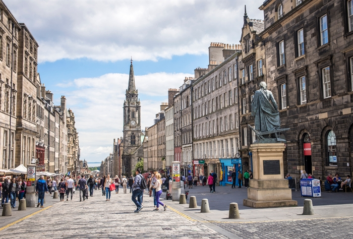 Royal Mile  Kenny Lam_1848791035.jpg