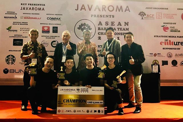 Congrats to Team Sg Expendables for winning the first ever ASEAN Barista Team Championship! So proud of the results and we hope everybody had fun! Thank you to all the organizers for making this a possibility as well☺️ #singaporecoffee