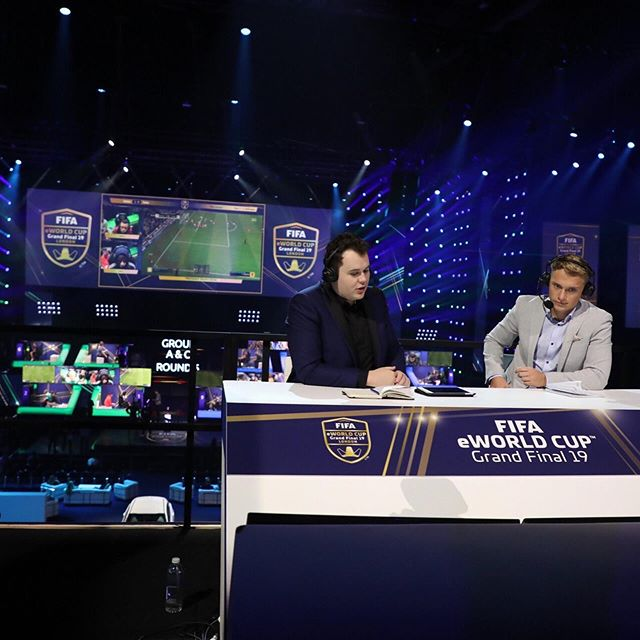 What a weekend! Huge congrats to @moauba on his amazing win at the #fifaeworldcup - absolutely amazing performance. And of course to #teamDSM casters @bsmith_esports @rbuckley98, what a season of #fifa19 guys. Special shout out to host @chuboi too for his fantastic interviews for #futhead over the weekend. 🔥🔥🔥👏👏👏#agency #esports #fifaesports #gamingagency • Photos 📸 @jgtownley 👊