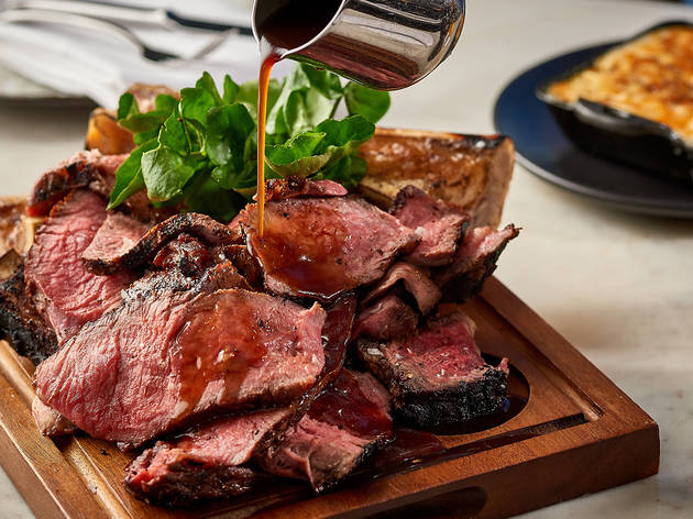 Mondrian-London-food-beef-close-up-detail-pouring-gravy-the-ghost-group-hospitality-consultants.jpg