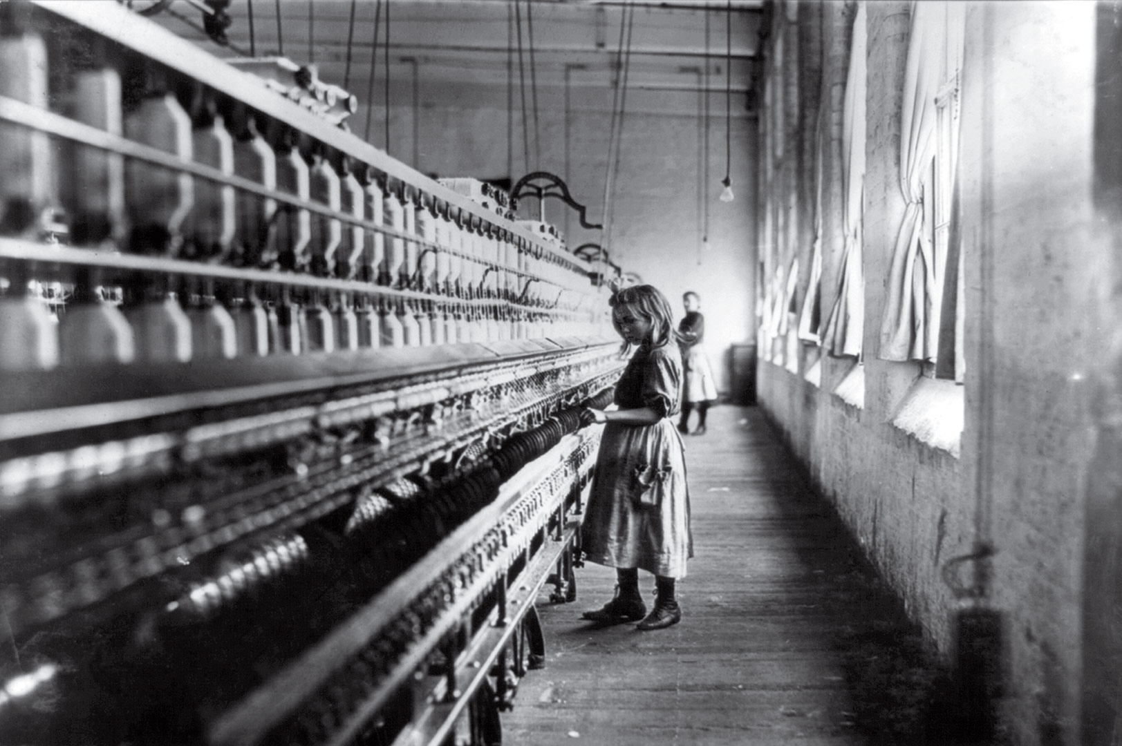 Cotton Mill Girl – Lewis Hine, 1908