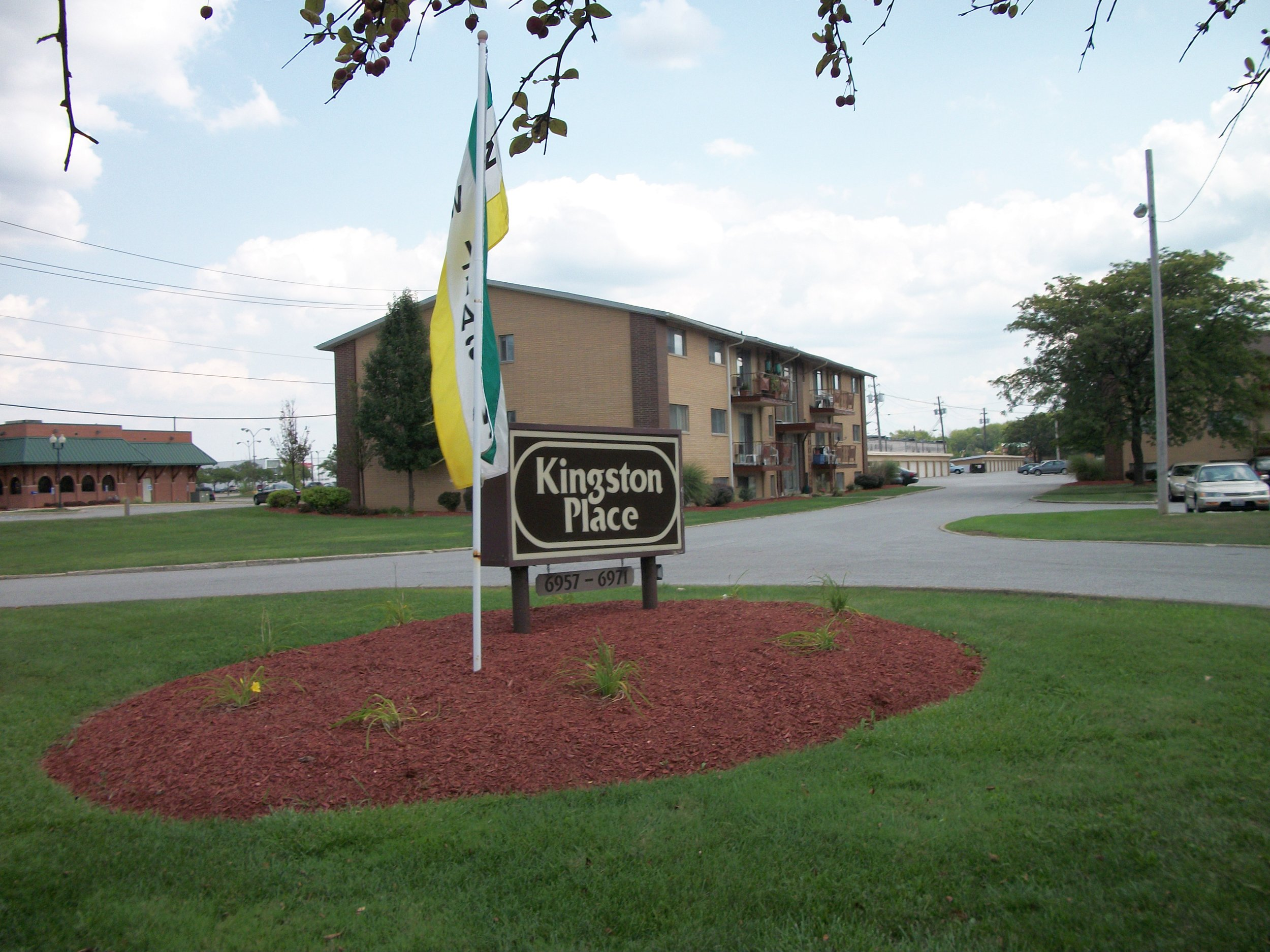 Kingston Place Apartments - Middleburg Heights, Ohio