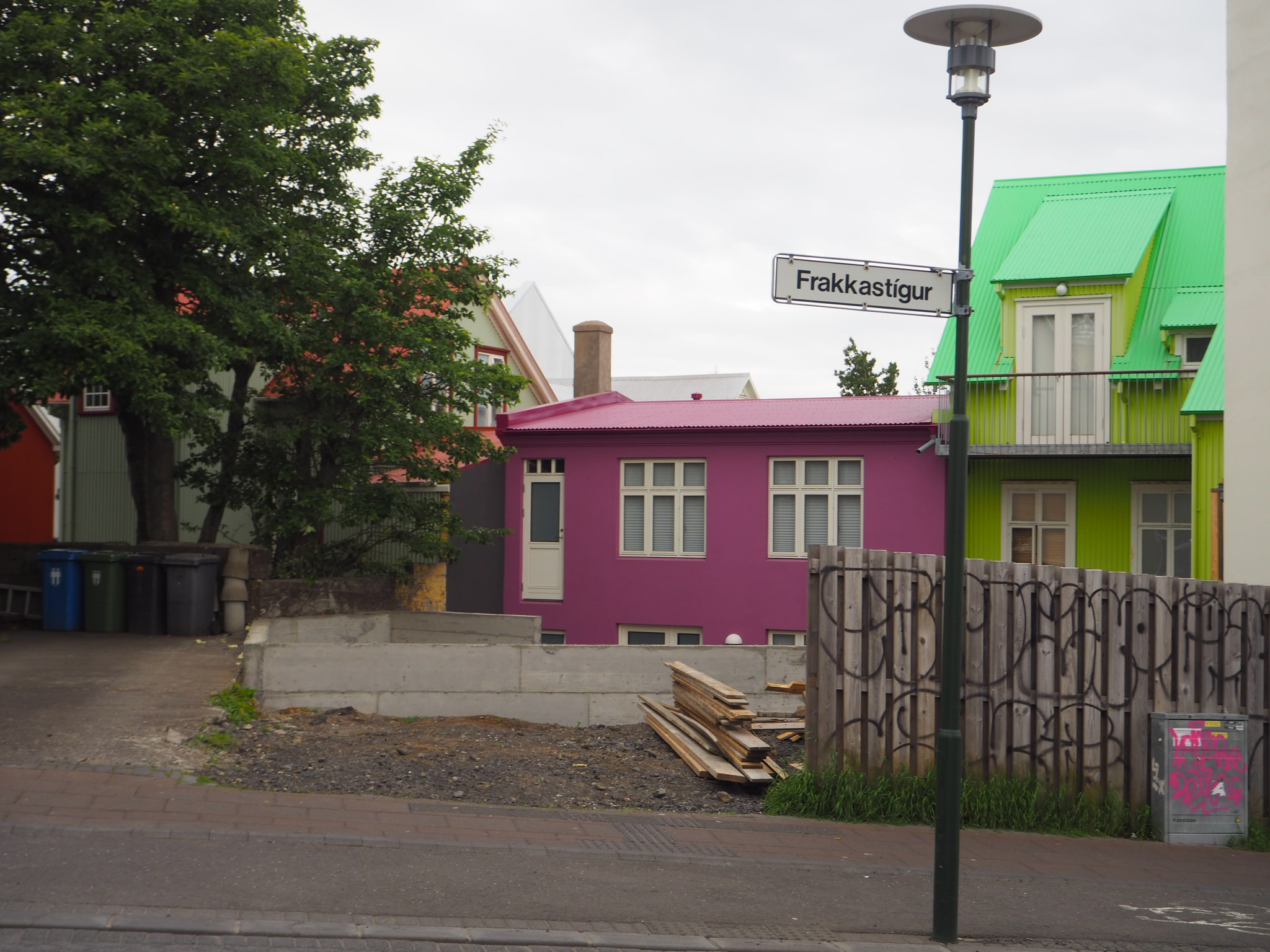 Turning up Frakkastígur, I found my first taste of the colourful buildings that Reykjavik is known for.