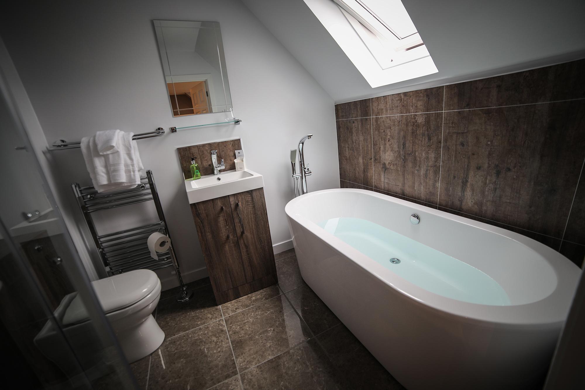 Bridge_Room_Bath_2.jpg