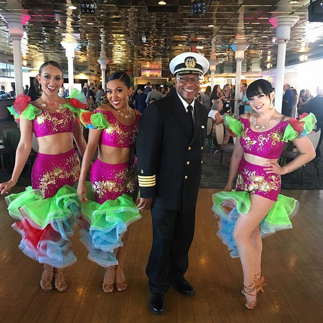 We turn a cruise ship into the Love Boat.🛳⚓️💓 #showgirls #captain #sandiego #cruise #dance #giglife #brickhousesd