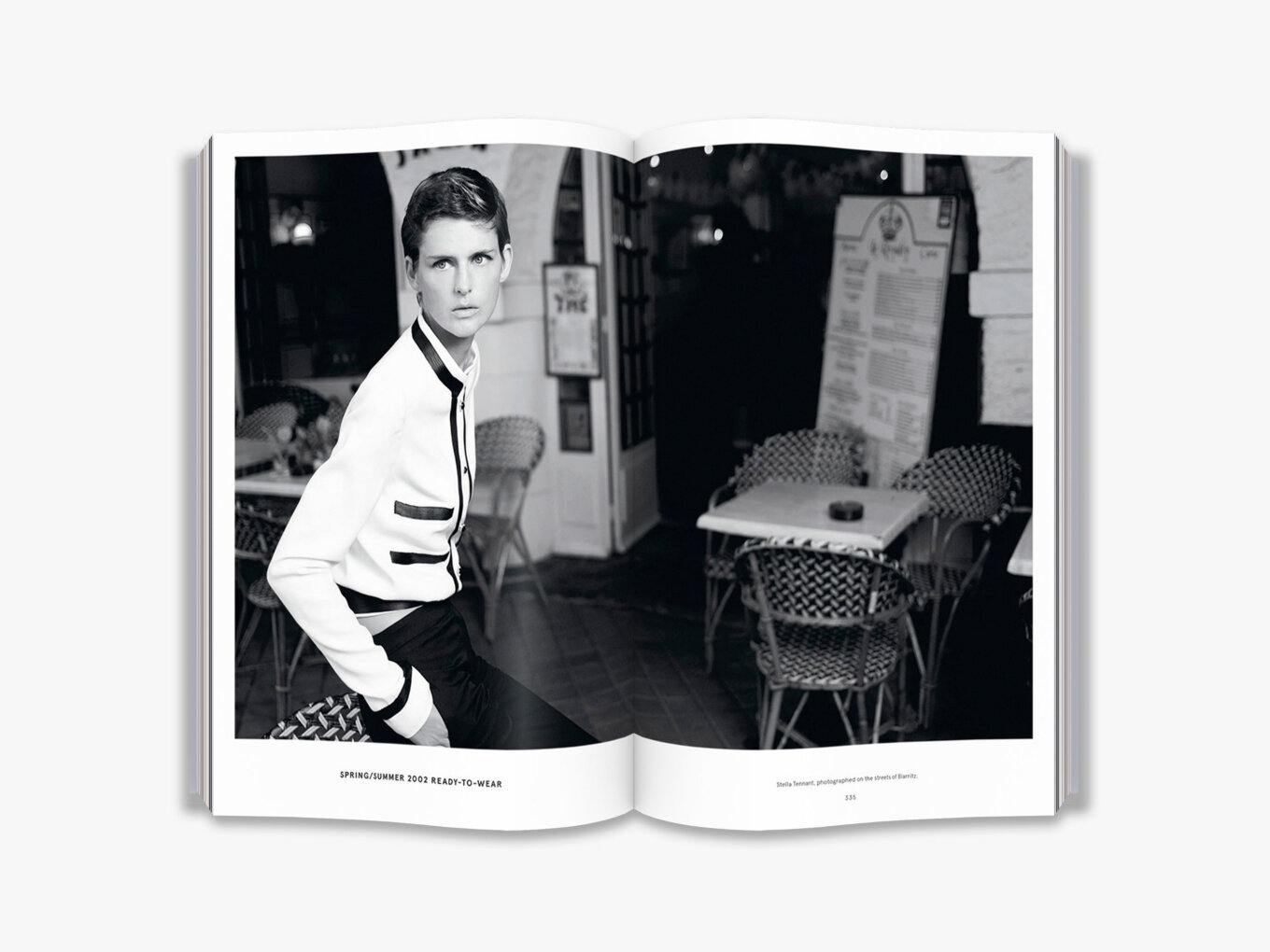CHANEL - The Karl Lagerfeld Campaignsby Patrick Mauriès & Karl Lagerfeld | Thames & Hudson