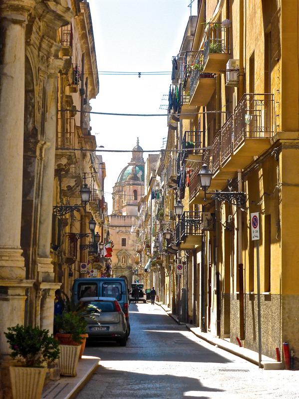 canva-lane,-narrow,-alley,-side-street,-mediterranean,-sicily-MAC1K_digYU.jpg