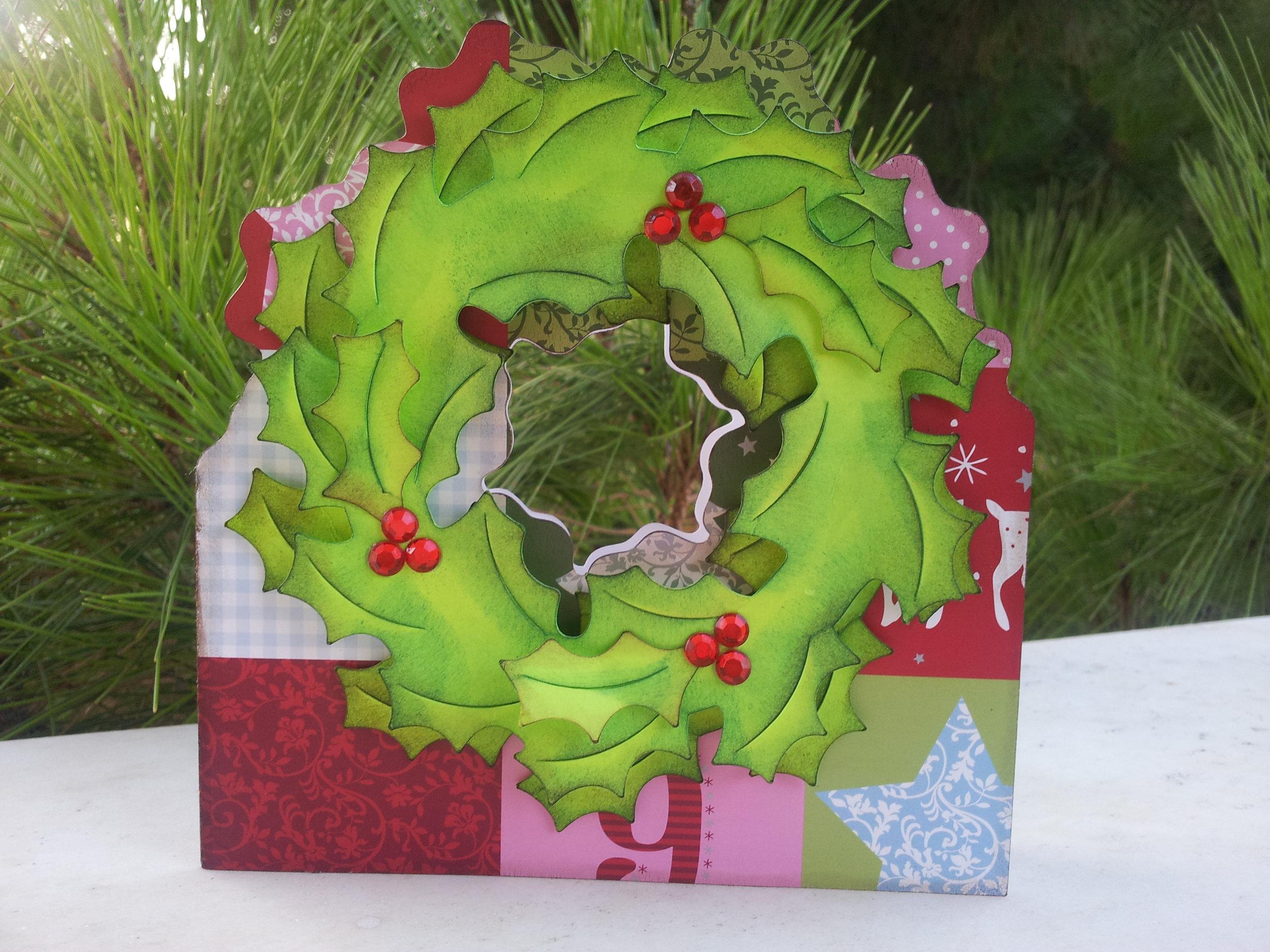 Wreath shaped card