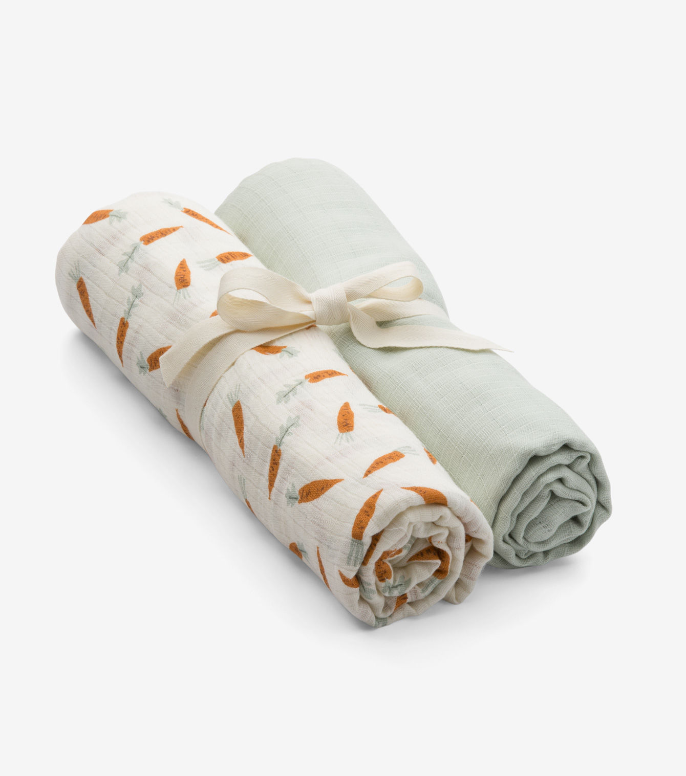 1FLC3013_small-and-mighty-carrots-swaddle-set-01_1118_001.jpg
