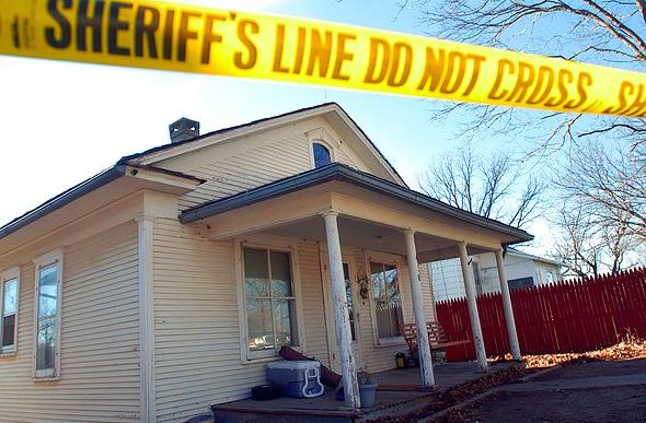 The home of Bobbi Jo and Zeb Stinnett (source: St. Joseph News-press Via AP)