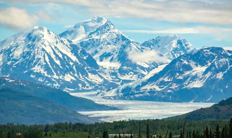 Долина реки Кник (источник: alaskavisit.com)