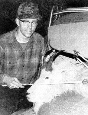 Хансен с охотничьим трофеем (источник: murderpedia.com)