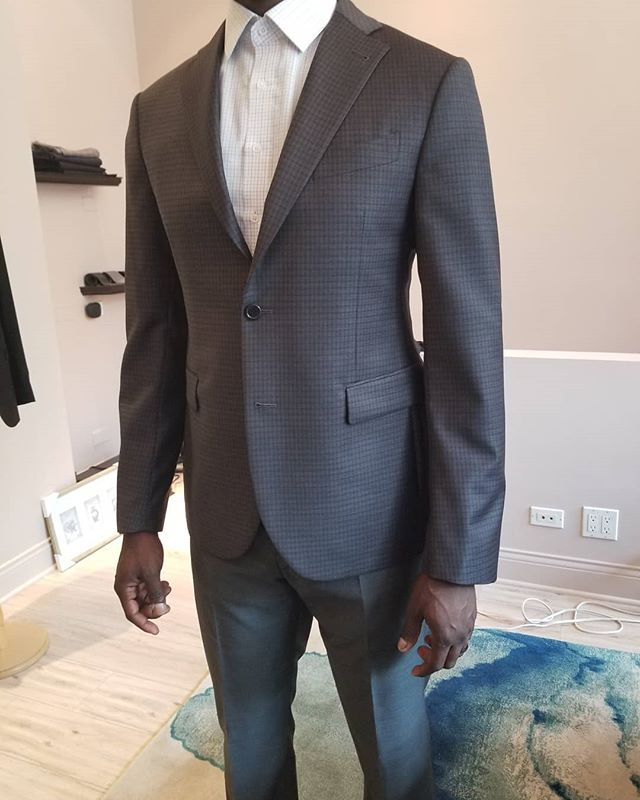 #perfectfit My client has a great body proportion. Uncontructed shoulder makes comfort and natural. It's good for daily wear. . . . #jybespoke #jacobyoungcustomclothiers #napolistyle #unconstructedjacket #dailyjacket #businesssuit #bespoke #customjacket #chicago #lincolnparkchicago