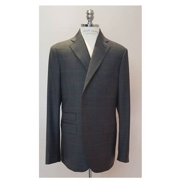 Modern classic = #jybespoke . . . . . . . #jacobyoungcustomclothiers #customclothiers #bespoke #sportjacket #custommade #modern #classic #chicago #lincolnparkchicago