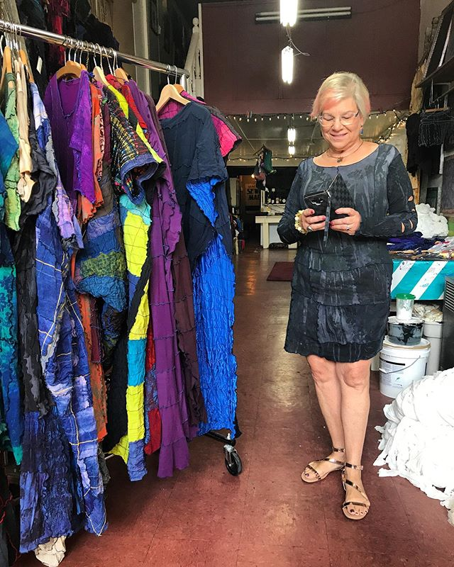 Thanks @randiwinter4passionatetravel for popping by today. You chose well! #preopenstudiovisit #rocknroll#wehaveawesomeclients #textiles #craft #fashion #design #hosierydress #textilewaste #wastehosiery #zerowaste #zerowastefashion #zerowastetextiles #empoweringwomen