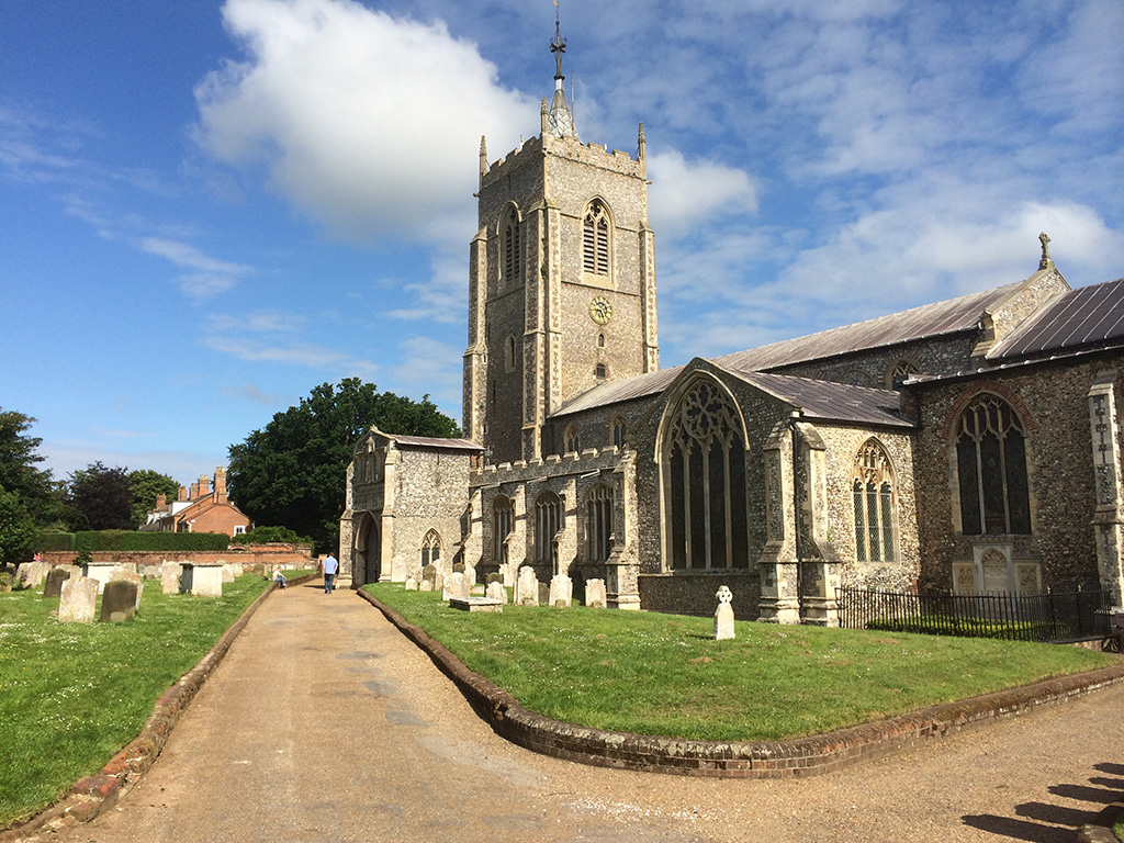 Aylsham_church5.jpg