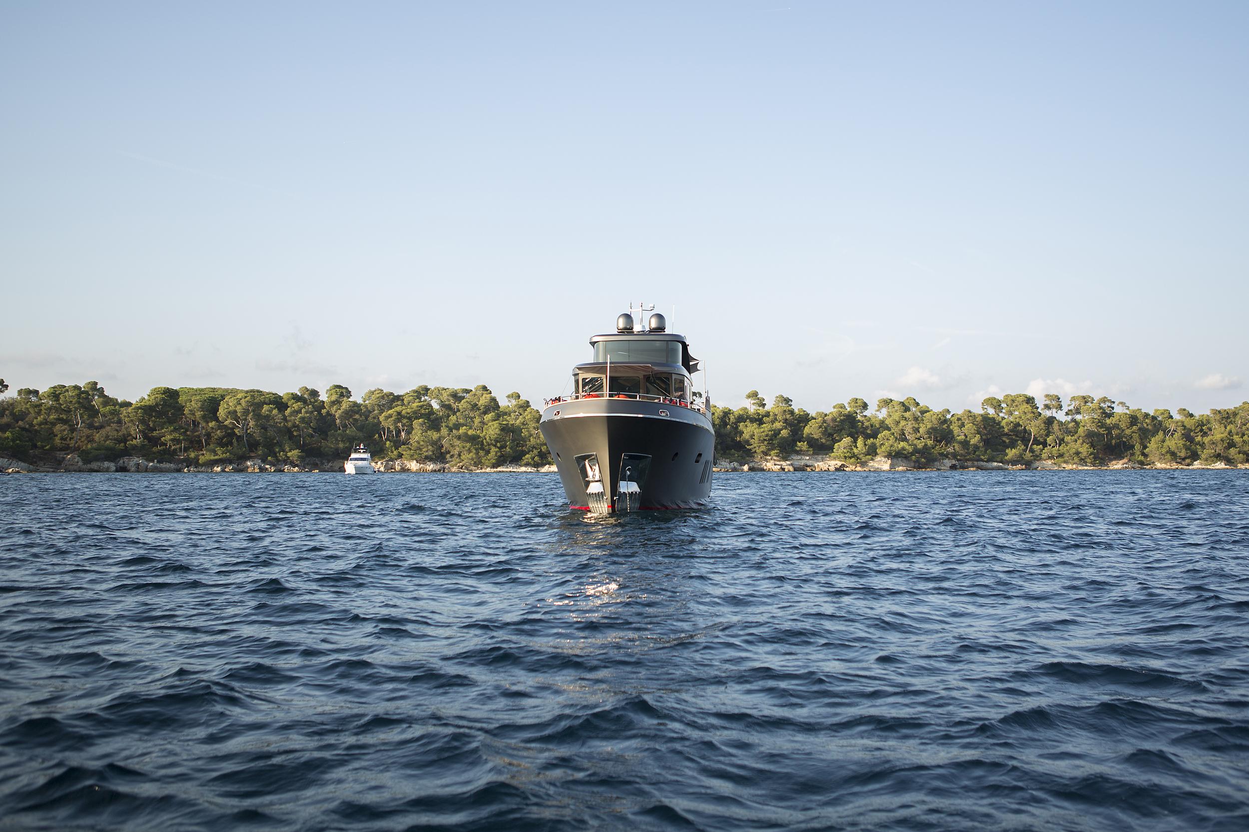 greystone-yacht-profile.jpg