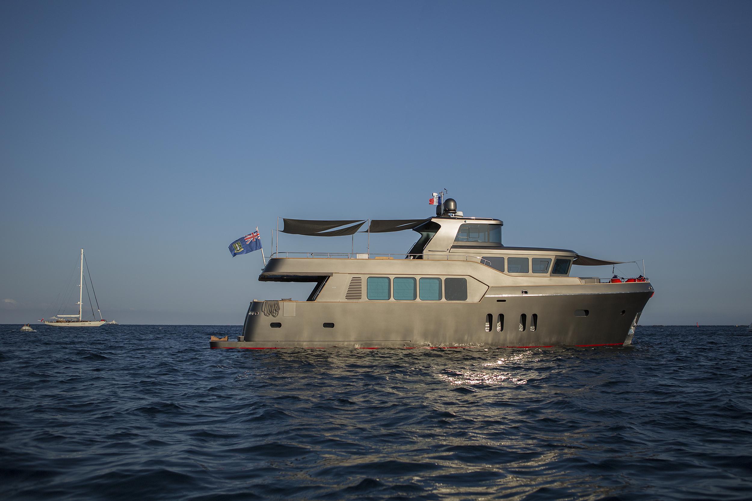 greystone-yacht-side.jpg