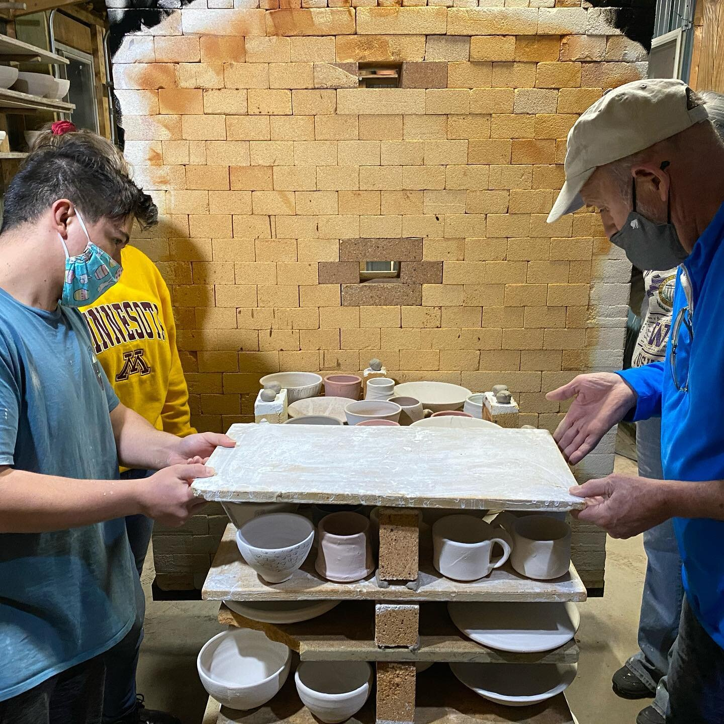 Wonderful job to our students this week! Glazing pots and loading the gas kiln. Positive energy leading into their first class firing of 21' nice work everyone! #learingthroughdoing #practicemakespermanent
