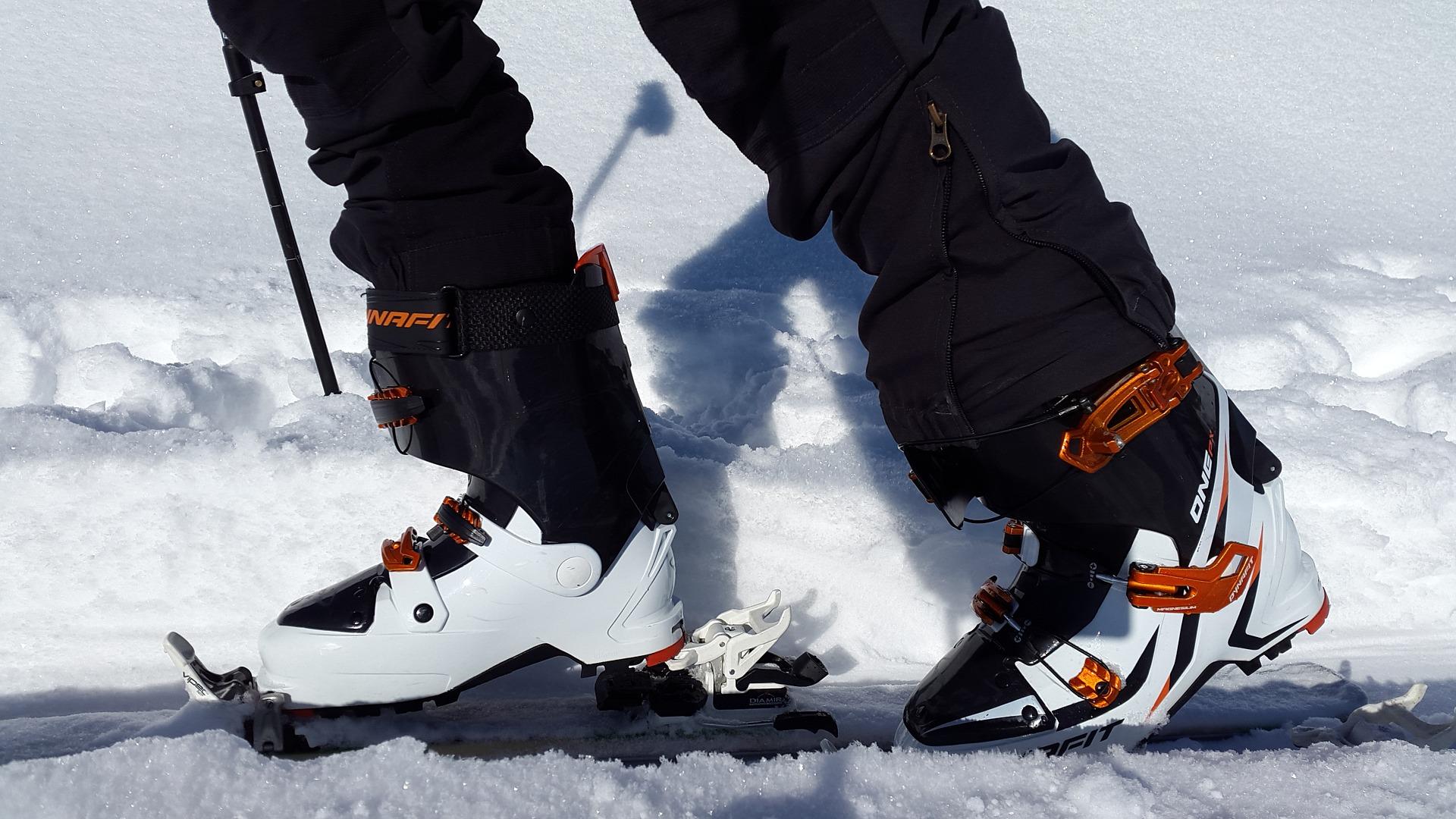 touring-skis-651360_1920.jpg